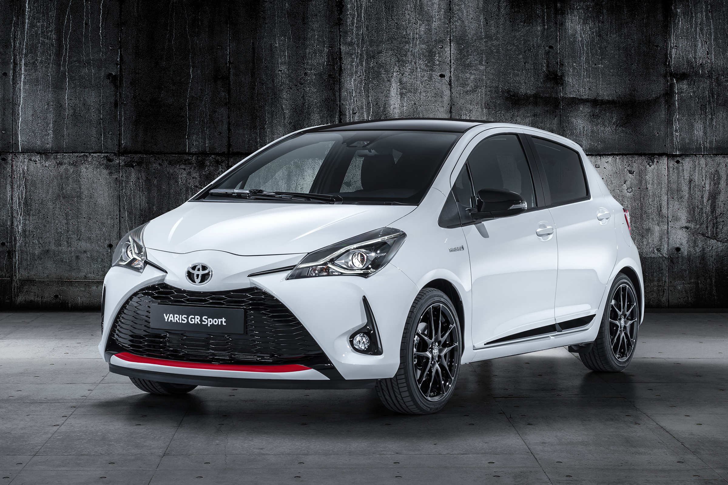 Kelebihan Kekurangan Toyota Yaris Gr Sport Perbandingan Harga