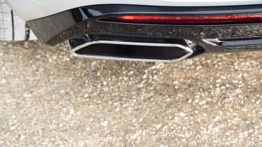 Volkswagen Touareg SUV exhaust tailpipes