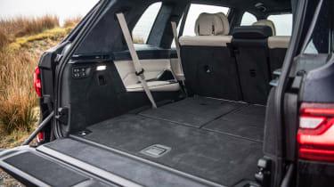 BMW X7 SUV boot
