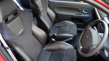 Renaultsport Clio 182 interior