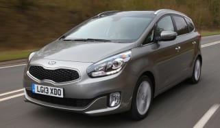 kia-carens-mpv-2013-main