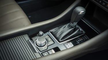 Mazda6 saloon gear lever