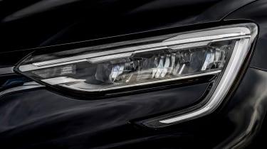 Renault Arkana SUV headlights