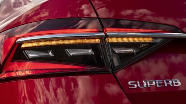 2019 Skoda Superb facelift - dynamic indicator