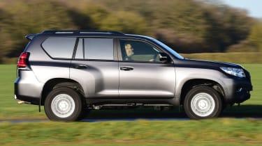 Toyota Land Cruiser Utility side tracking