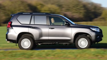 Toyota Land Cruiser Utility side tracking