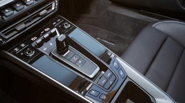 Porsche 911 Cabriolet 2019 interior gearbox