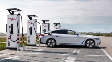 2021 BMW i4 eDrive40 - charging