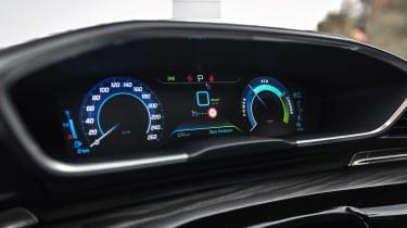 Peugeot 508 hybrid dashboard