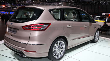 The S-MAX Vignale is available with two powerful diesel engines or a 237bhp petrol