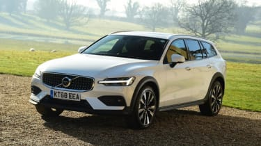 Volvo V60 Cross Country - front quarter view