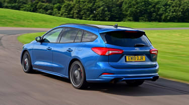Ford Focus ST Estate rear tracking