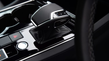 Volkswagen Touareg SUV centre console
