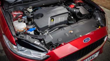 Ford Mondeo hatchback engine bay