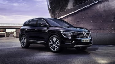 Another sign of the Renault and Nissan Alliance, the Renault Koleos is a large SUV sharing parts with he Nissan X-Trail