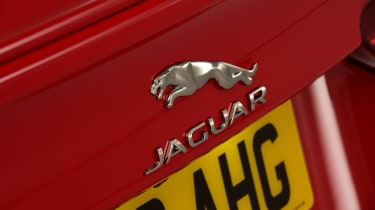 2019 Jaguar XE - badge
