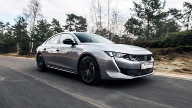 Peugeot 508 HYbrid front driving