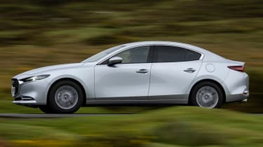 Mazda3 Fastback saloon side panning