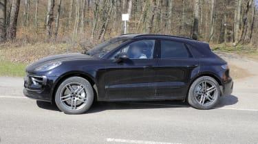 2021 Porsche Macan SUV side dynamic