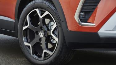 2021 Vauxhall Crossland SUV - front alloy wheel close up