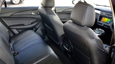 MG 5 EV long-range - rear seats