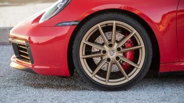 Porsche 911 Cabriolet 2019 side profile