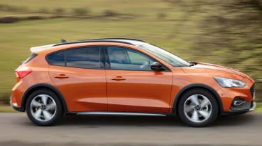 Ford Focus Active hatchback side tracking