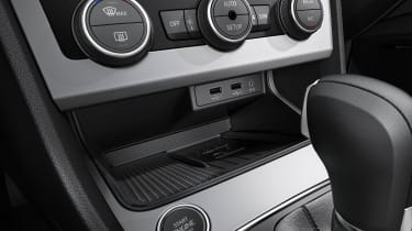 SEAT Leon with wireless phone charging