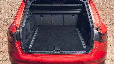 Audi RS4 Avant estate boot