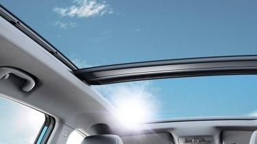 MG ZS EV panoramic sunroof
