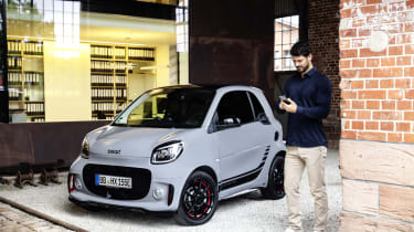 Smart EQ ForTwo - front 3/4 view