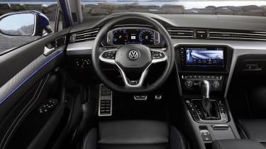 2019 Volkswagen Passat interior driver's side