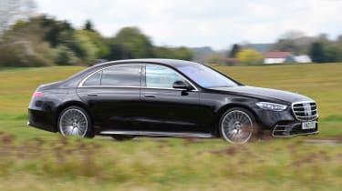 Mercedes S-Class saloon side panning