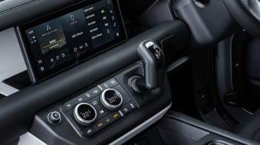 2020 Land Rover Defender 90 - centre console controls