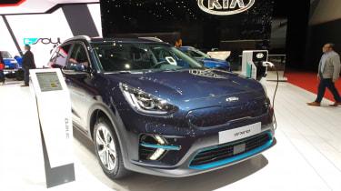 Kia Niro hybrid front quarter