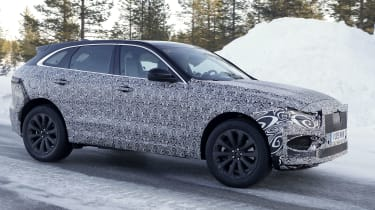 Jaguar F-Pace facelift in camouflage