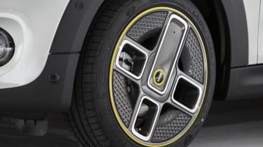 MINI Electric - front alloy wheel