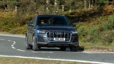 Audi Q7 SUV front dynamic