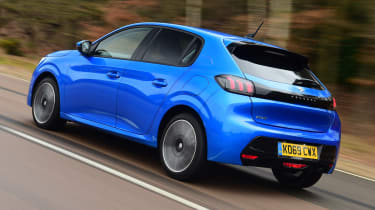 Peugeot 208 hatchback rear 3/4 tracking