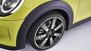 MINI Cooper S alloy wheel