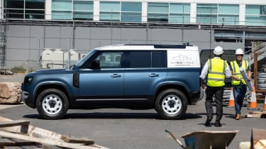 2020 Land Rover Defender 110 Hard Top - side view 3/4 static