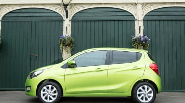All Vivas have 15-inch alloys, cruise control and electric front windows