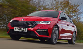 Skoda Octavia vRS Estate front tracking