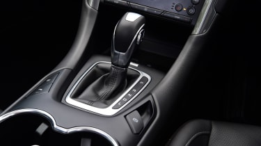 Ford Mondeo hybrid gearlever