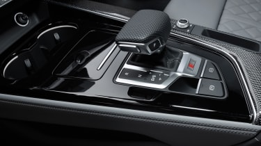Facelifted Audi S4 - gear shifter