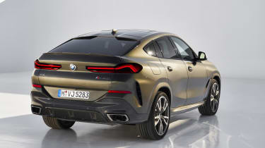 2019 BMW X6 - rear static studio shot