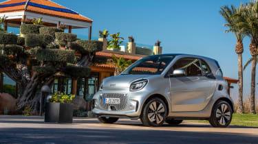 Smart EQ ForTwo hatchback front 3/4 static villa
