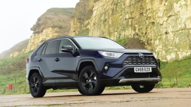 Toyota RAV4 Dynamic - front 3/4 view static