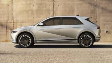Hyundai Ioniq 5 - side on view