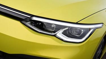 Volkswagen Golf Estate headlights
